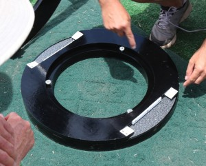 Joe has reduced the rocker box to just a thick annular disk. The 4 ptfe elevation axis thrust pads are directly above 4 azimuth pads that run on the laminate bearing surface.